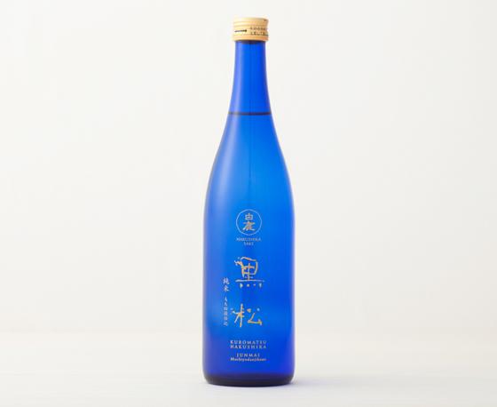 特撰 黒松白鹿 黒松 純米 もち四段仕込 (720ml)